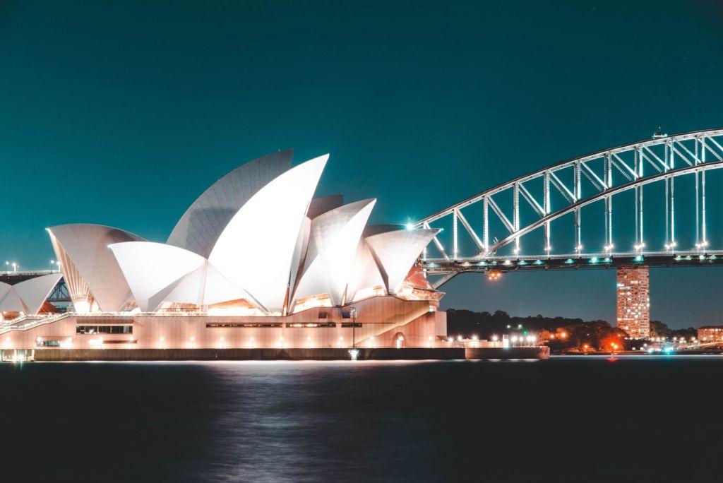 Sydney Latinoz